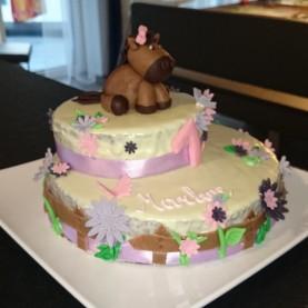 Torte mit Pferd Seitenansicht