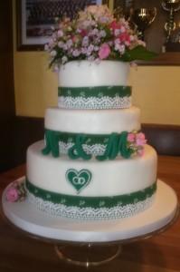 Hochzeitstorte Tracht
