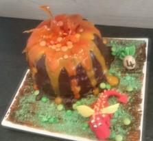 Vulkan Drache Torte