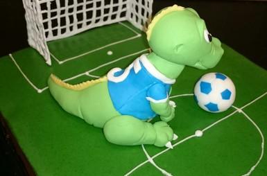 Fußball Dinosaurier Torte Motivtorte Fondant