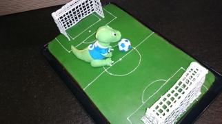 Fußball Dino Torte Motivtorte