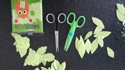 Blätter aus Esspapier ausschneiden Torte.jpg