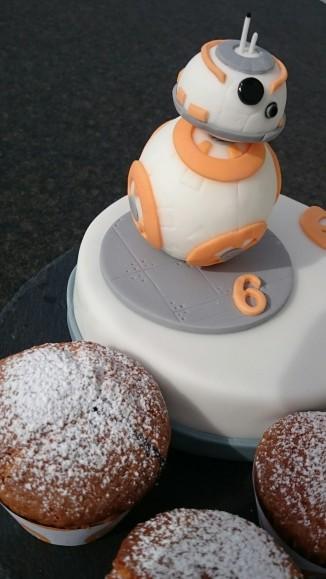 Star Wars BB8 Motivtorte Muffins.jpg