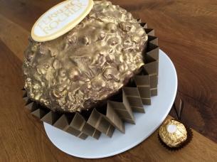 Riesen Ferrero Rocher Motivtorte